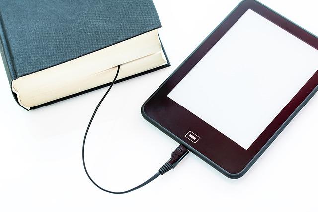 kniha a e-čítačka.jpg