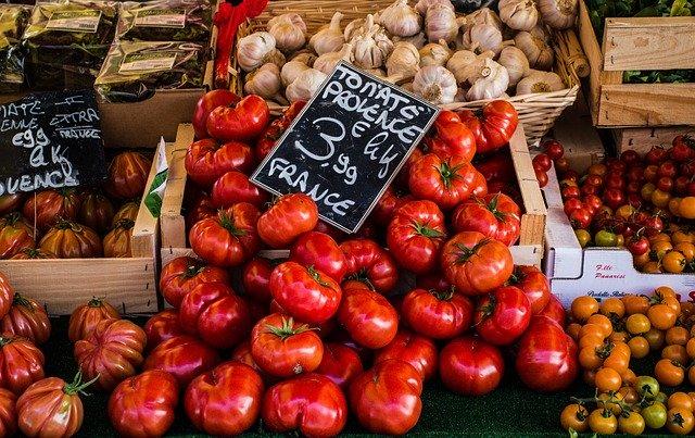 Tržnica, paradajky.jpg
